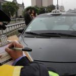 Se sancionó a más de 50 taxistas por no colocar franja a cuadros en sus vehículos