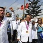"""""""El estado tiene las posibilidades para dar aumento a médicos"""", afirma Presidente de Federación Médica"""