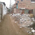 Montículos de basura afectan a la urbanización de Pachacamac