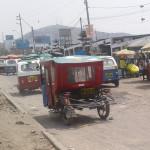 Comerciantes de Mercado Plaza Villa Sur denuncian desorden vehicular en la avenida César Vallejo