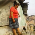 Vecina de ampliación del primer sector pide muro de contención para reforzar su precaria vivienda