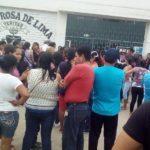 Padres de familia denuncian corrupción en el colegio parroquial Santa Rosa de Lima