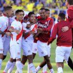 Algunos peruanos confían en posible clasificación de la blanquirroja al mundial de Rusia 2018