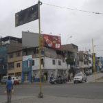 Pobladora pide cambio de postes de semáforos  en  avenida Micaela Bastidas  de Villa El Salvador
