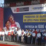 Villa El Salvador: Ministro de Vivienda Carlos Bruce entrega más de 680 títulos a vecinos  de ampliación Oasis de Villa
