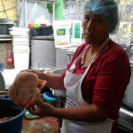 Encuentran irregularidades en alimentos entregados por la Municipalidad de Villa El Salvador a comedores populares