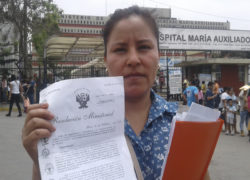 San Juan de Miraflores: Madre pide al MINSA cumpla acuerdos  por negligencia médica de su menor en Hospital María Auxiliadora.