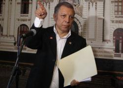 Según congresista Marco Arana el presidente PPK ha negociado su vacancia por indulto de Alberto Fujimori