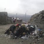 """Pobladores  de """"Cerro Papa"""" en Villa El Salvador temen enfermedades por acumulación de basura en Av. Los Cosmos"""