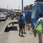 Villa María del Triunfo: Piden a Municipio reparar bancas de paradero de buses en Av. Pachacútec