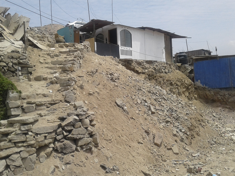 Villa Mara del Triunfo Piden muros de contencin para seguridad de